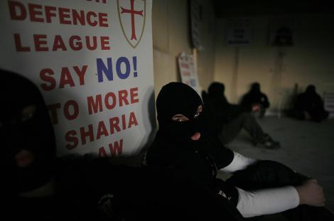 İslam'a karşı savaş açtılar