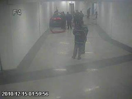 Polis memurlarının ölümü güvenlik kamerasında