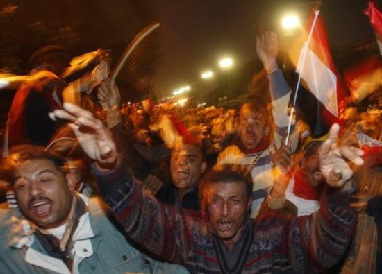 Mübarek istifa etti Mısır coştu