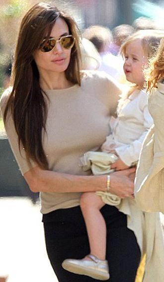 Brad Pitt -Angelina Jolie ve çocukları