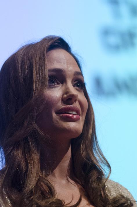 Angelina Jolie Bosna savaşını anlattı
