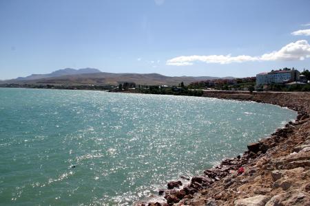 Deprem Van Gölü'nün şeklini değiştirdi