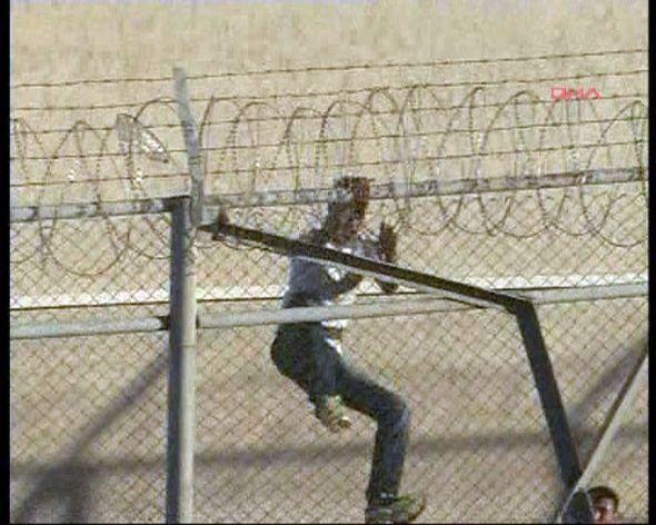 Cezaevi avlusunda çatışma