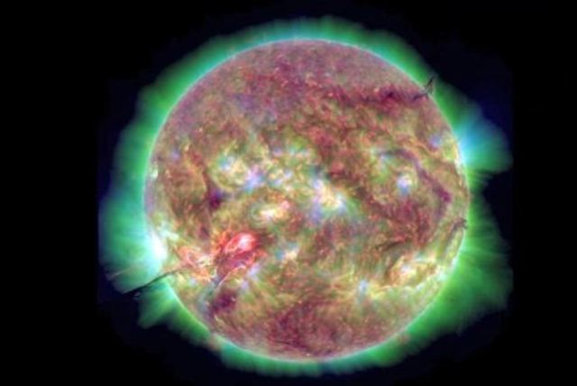 NASA uyardı:Dünyaya yaklaşıyor!
