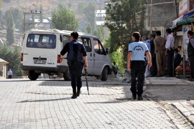 Polis merkezine ağır silahlarla saldırı