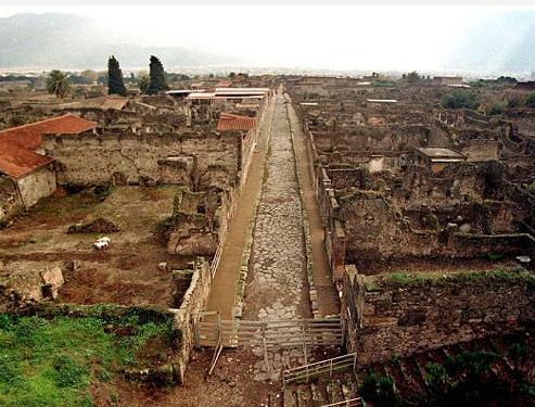 Taş kesilen şehir Pompei