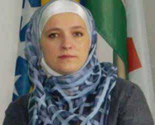 Avrupa'nın ilk başörtülü belediye başkanı