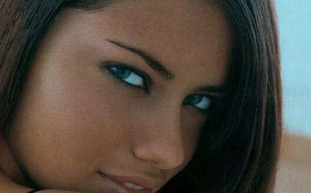Adriana Lima şaşırttı!