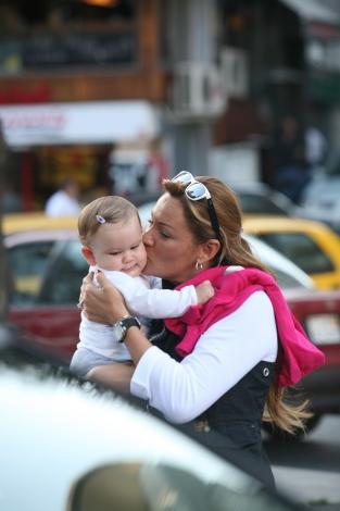 Pınar Altuğ-Su bebek