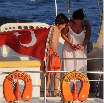 Sibel Can çocuklarıyla tatilde...