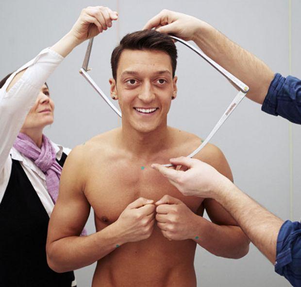 Mesut Özil'i hiç böyle görmediniz!