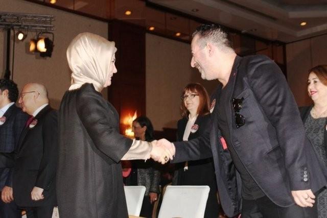 Cem Yılmaz'ın esprileri Emine Erdoğan'ı güldürdü