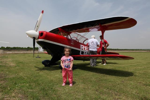 Adana'da akrobasi uçağı düştü