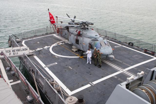 Türk Donanması Tunus'a Demir attı