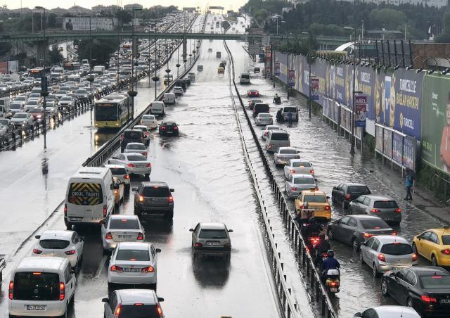 İstanbul'dan sağanak böyle geçti
