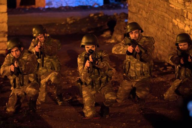 """Sinem Uslu """"Kurtlar Vadisi Vatan"""" için askeri eğitim aldı"""