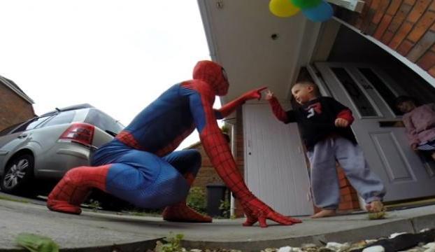 1 yıl ömür biçilen oğlunu böyle sevindirdi