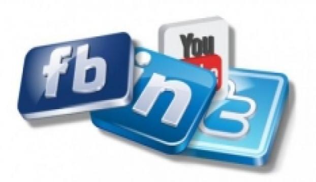 Twitter mı Facebook mu?