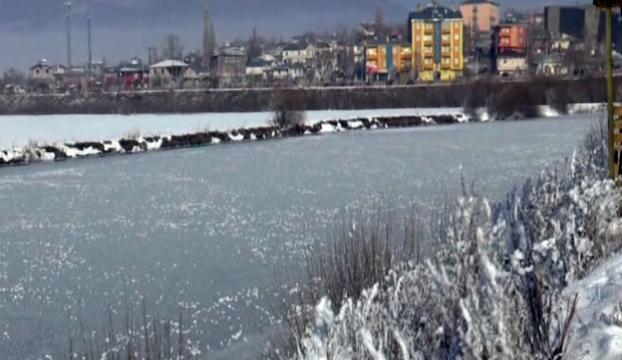 Ardahanda göller ve nehirler dondu