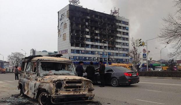 Gazeteciler Evinde çatışma: 17 ölü