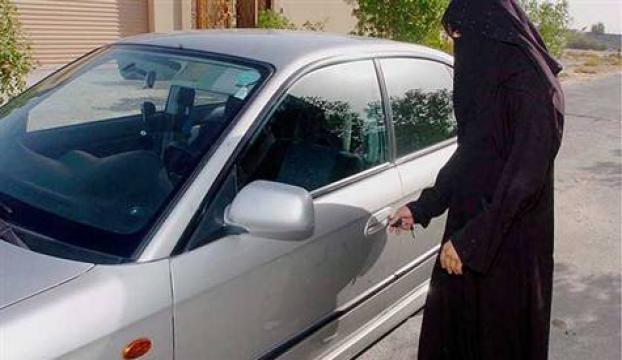 Suudi kadınlar direksiyona geçiyor