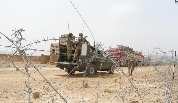 Pakistan Talibanı örgütüne operasyon: 32 ölü