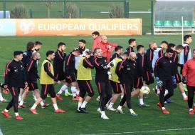 A Milli Futbol Takımı, Arnavutluk yolcusu
