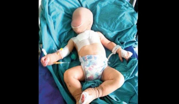 1.5 yaşında bebeğe işkence!