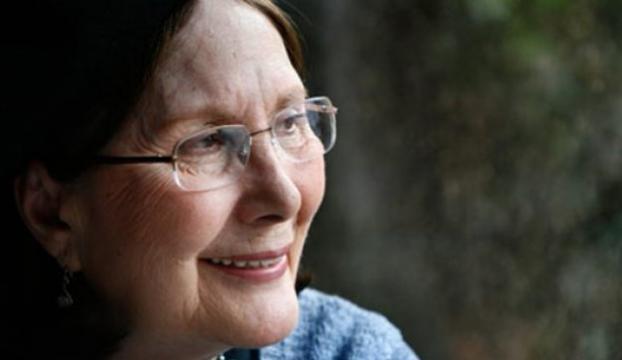 Erdal Öz Edebiyat Ödülünün yeni sahibi Adalet Ağaoğlu oldu