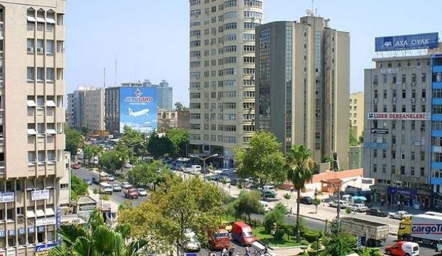 Makedonya, Adanaya yakınlaşıyor
