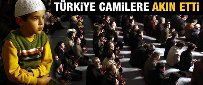 Türkiye'de camiler doldu taştı!