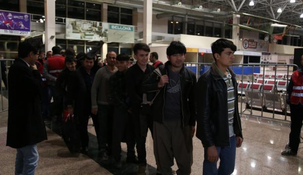 İnsan kaçakçılarının kurbanı Afgan göçmenler