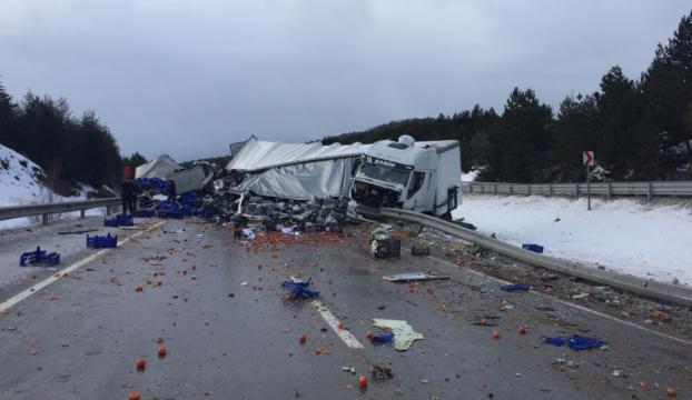 Afyonkarahisarda zincirleme trafik kazası: 18 yaralı