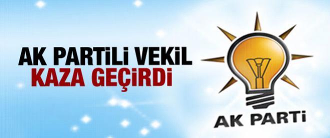 AK Parti'li vekilin aracı kaza yaptı