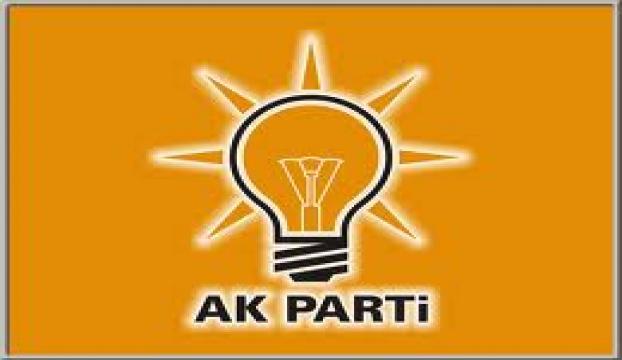 AK Parti seçim aracına saldırı