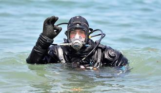 """""""Akvaryum adam"""" su altından rekorla çıktı"""