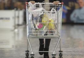 """İstanbul Havalimanı'nda """"Efsane Cuma""""da 12,5 milyon avroluk alışveriş yapıldı"""