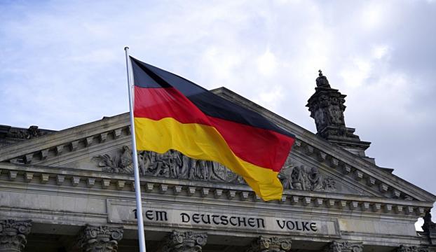 Almanyada PKK yandaşları SPD binasını bastı