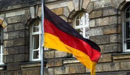 Almanya'nın en kalabalık eyaletinde Türklerin çifte vatandaşlık hakkı için verilen yasa teklifi reddedildi