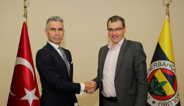 Fenerbahçenin yeni kaleci antrenörü Alper Boğuşlu oldu
