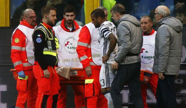 Dani Alvesin ayağı kırıldı