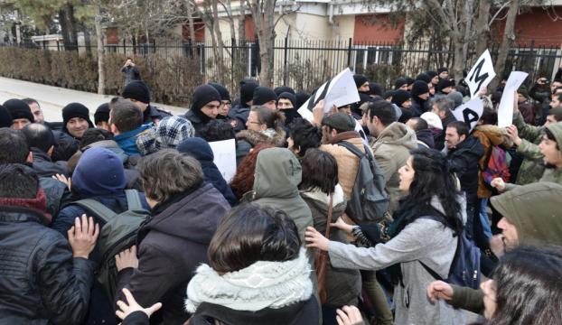 Anadolu Üniversitesinde KHK tepkisi