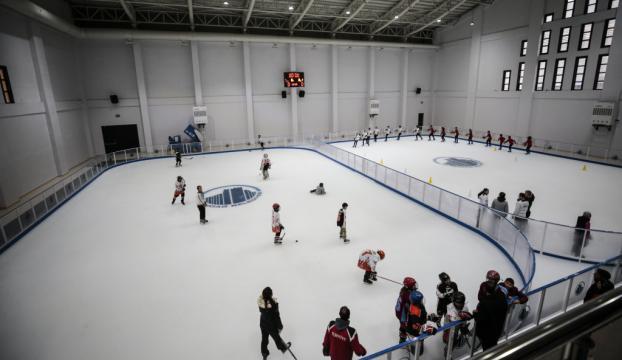 Ankara yeni buz pistine kavuştu