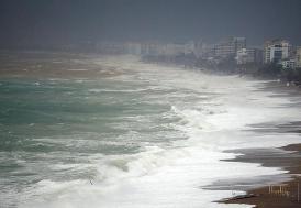 Antalya'da kuvvetli fırtına ve yağış etkili oluyor