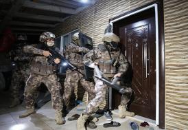 Antalya'da 2 bin 500 polisin katılımıyla uyuşturucu operasyonu düzenlendi