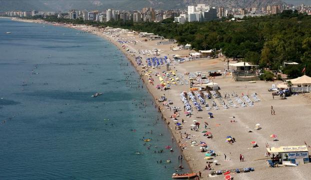 Antalyada 9 ayda 40 bin kişiye yüzme öğretildi
