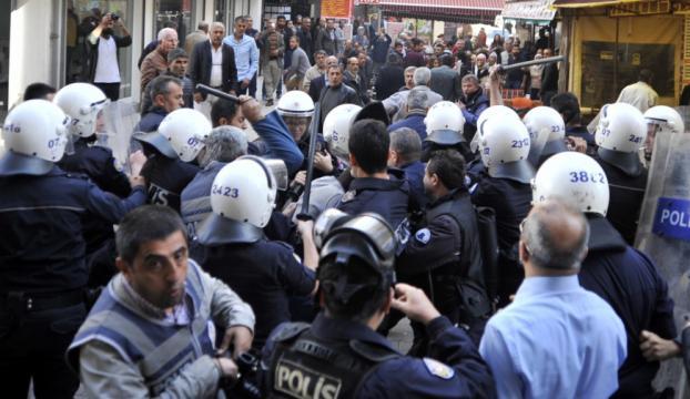 Antalyada izinsiz gösteriye müdahale