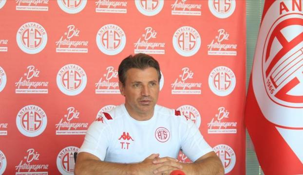 """Antalyaspor Teknik Direktörü Tuna: """"Lige iyi başlamak istiyoruz"""""""