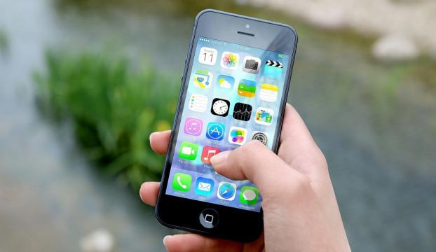 Appledan cep telefonundaki sistem hatasını bildiren öğrenciye teşekkür
