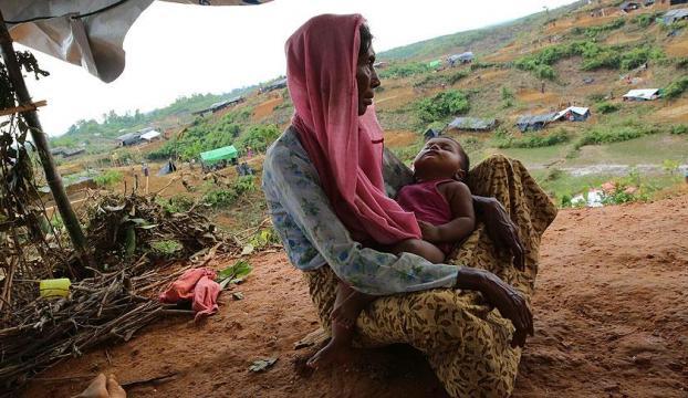Bangladeşe sığınan Arakanlı Müslümanların sayısı 688 bine ulaştı